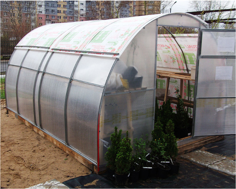 направляющие для раздвижной крыши теплицы